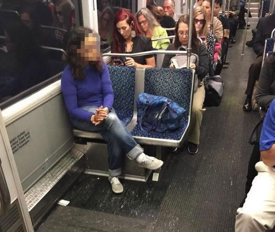 bagspreading-train-reddit-muzzed-e1492688931902